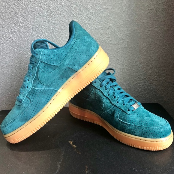 separation shoes 1a07d 6831a Nike Air Force 1  07 Mid Women s